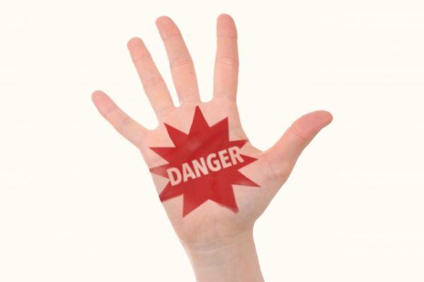 未成年によるクレジット現金化のリスク・危険性