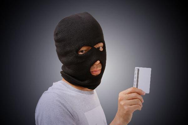 クレジットカード現金化の詐欺をおこなう悪質業者のイメージ
