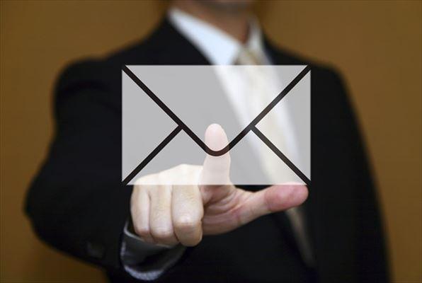 メールのやり取りでレスポンスの早さがわかる