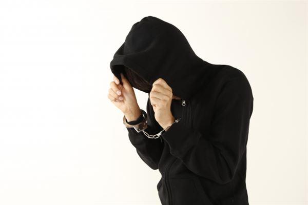 クレジットカード現金化の違法で逮捕された業者のイメージ